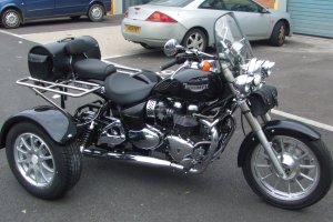 TriumphBonnevilleAmerica_300x200